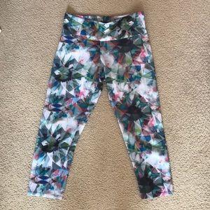Onzie yoga cropped leggings